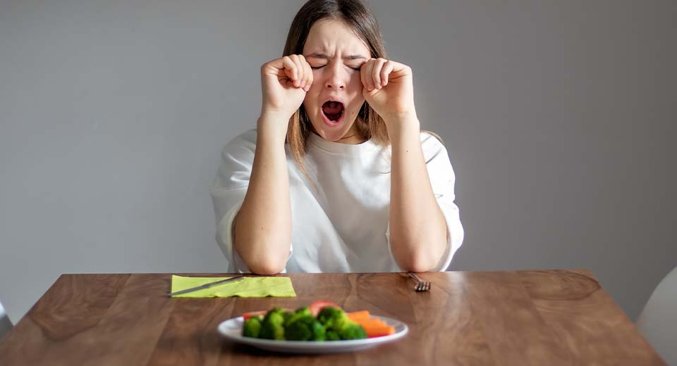Calorie restriction causes fatigue and nutrients deficiency